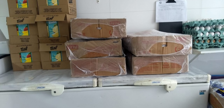 HNSC recebe doação de alimentos da Pif Paf