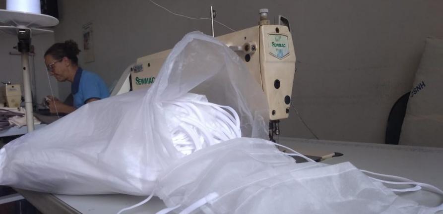 Trabalho voluntário de costureiras e empresas fortalece o enfrentamento ao Covid-19