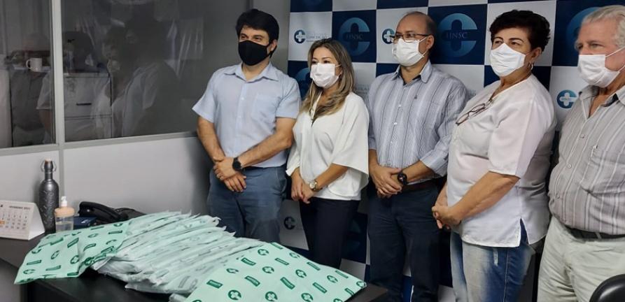 Unimed Centro-Oeste faz doação de enxovais